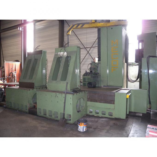 MECOF CS 100 - FLOOR TYPE MILLING MACHINE