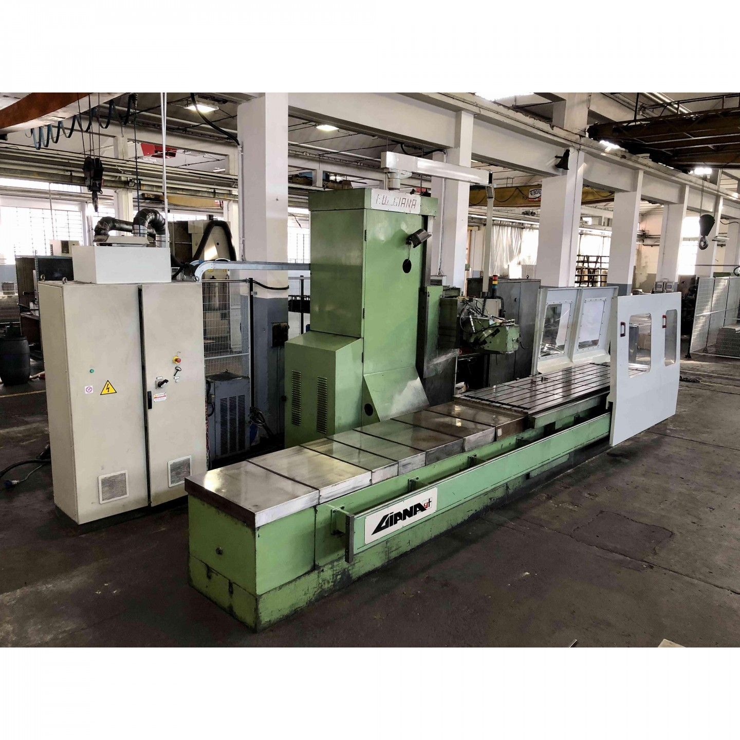 GIANA GFR 3000 - BED TYPE MILLING MACHINES